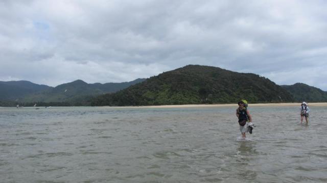 La marea había empezado a subir, así que hubo que apurar el paso